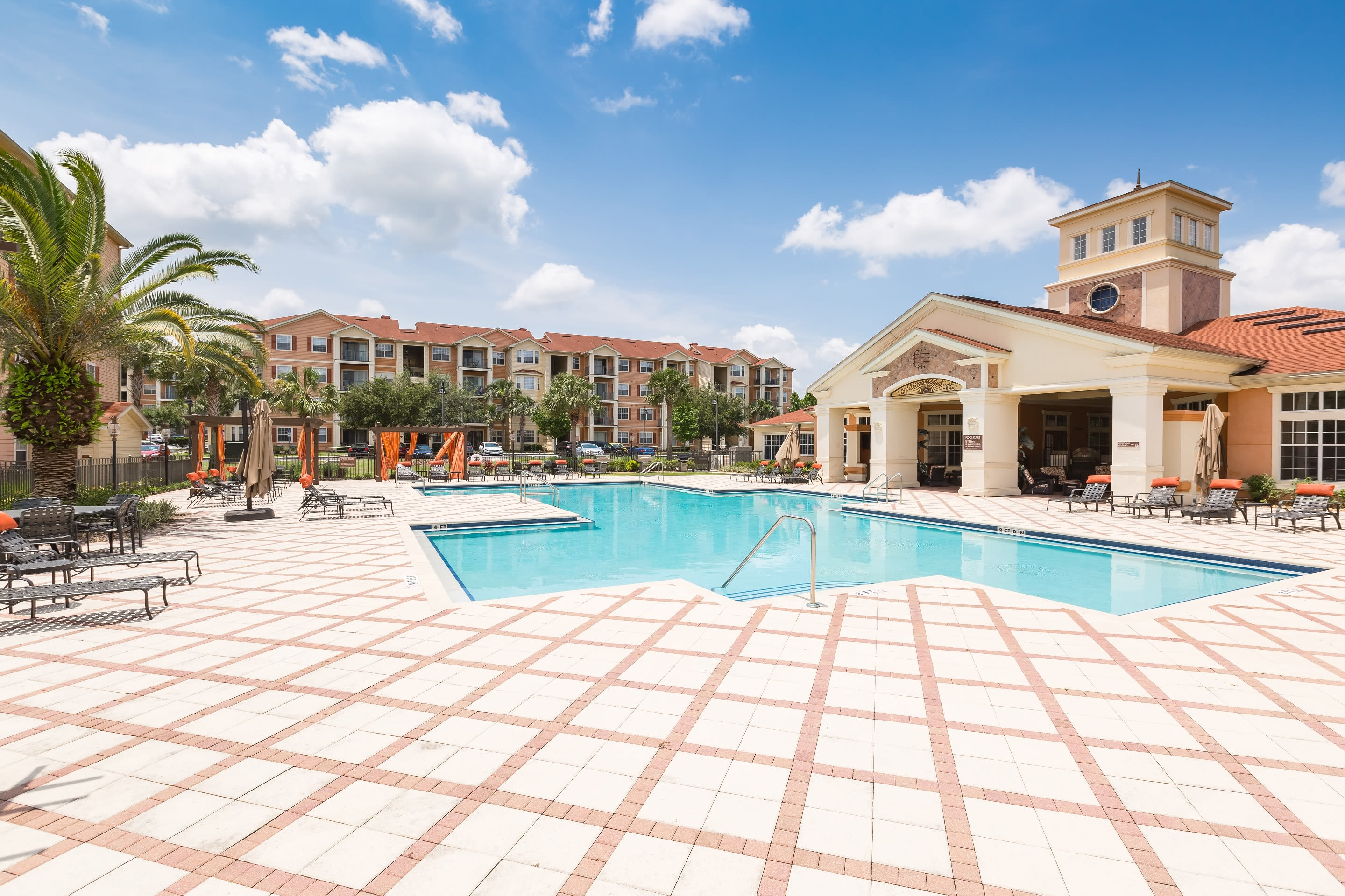 The Aspect showcase a luxury swimming pool at Kissimmee, Florida