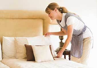 Senior living community with housekeeping and linens service at Discovery Commons At Wildewood