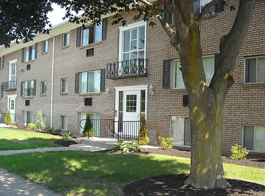 Visit Pittsford Garden Apartments Website