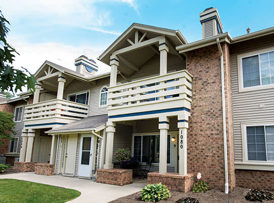 visit Perry's Crossing Apartments website