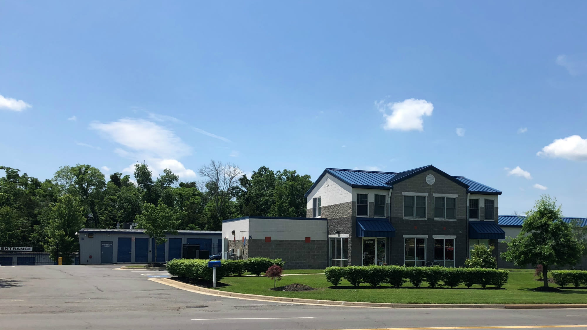 Exterior view of Self Storage Plus in Sterling, VA