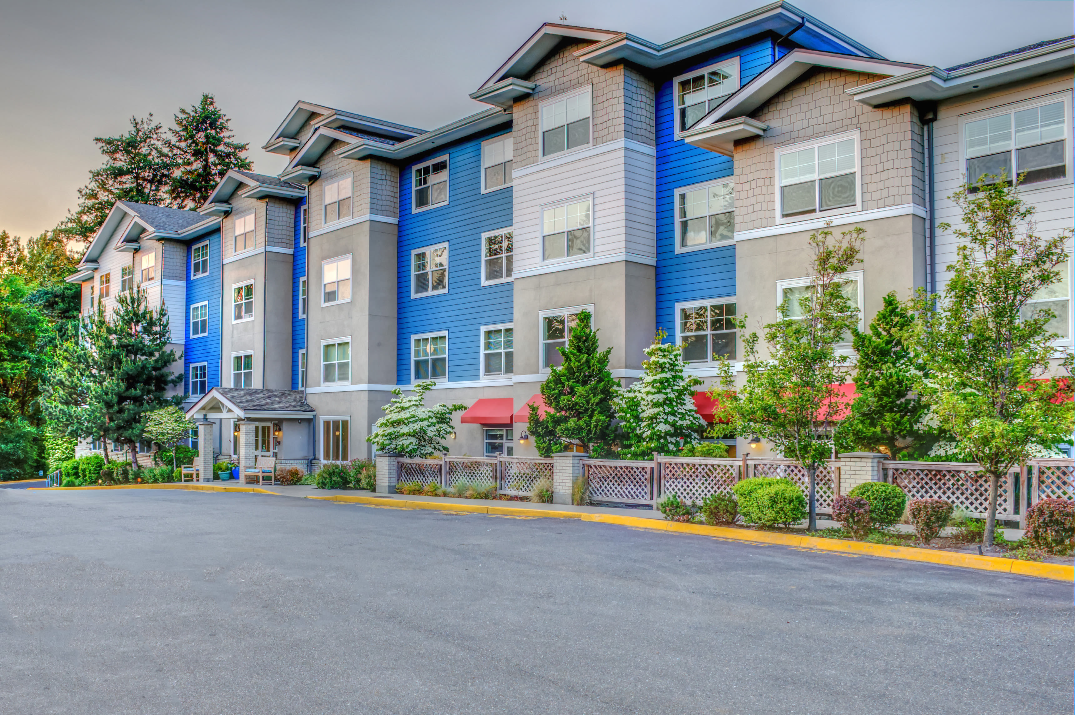 View the photos of the senior living in Woodinville
