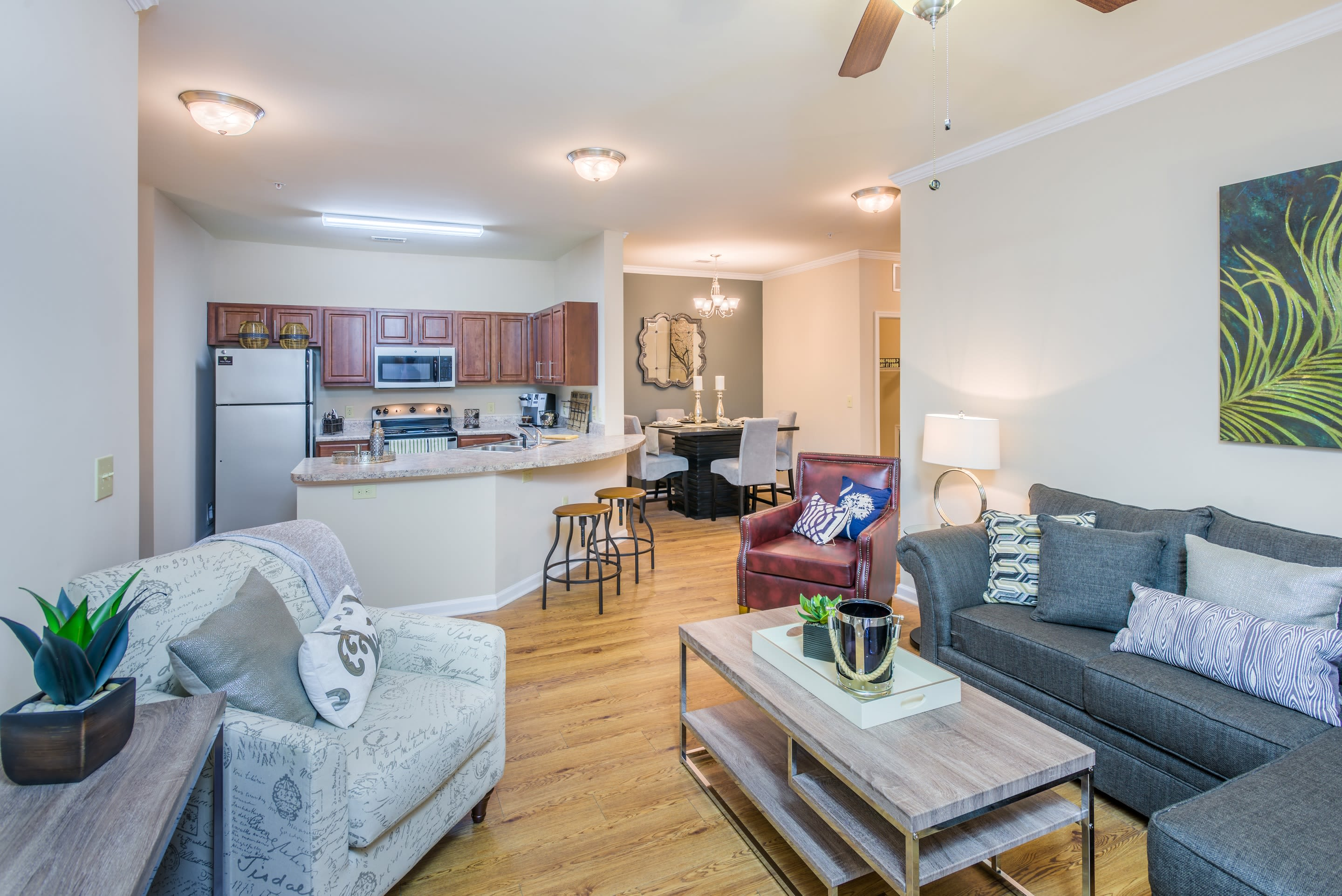 Arbor Village luxury apartments in Summerville, South Carolina showcase a kitchen