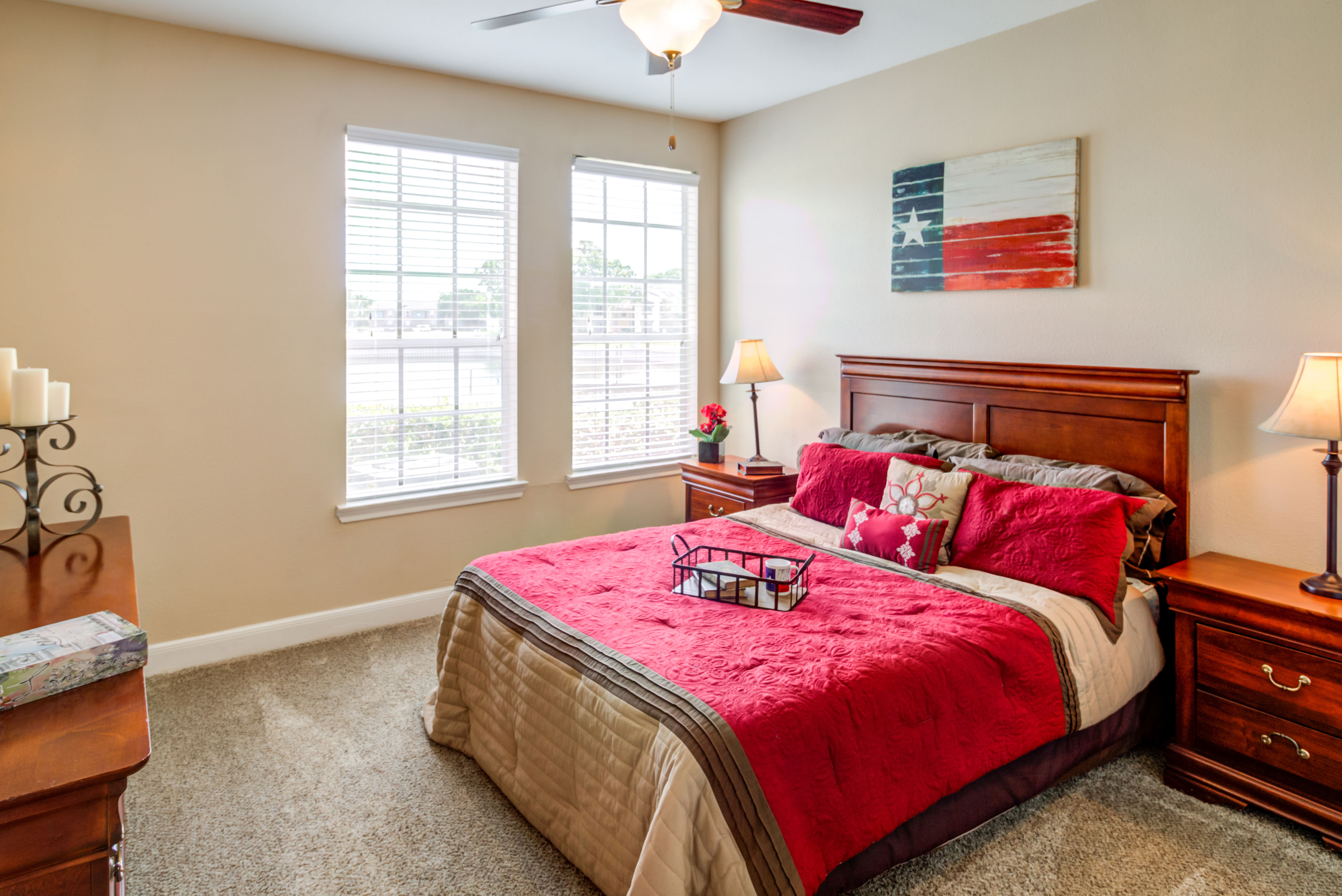 Bedroom At Signature Point Apartments In League City TX