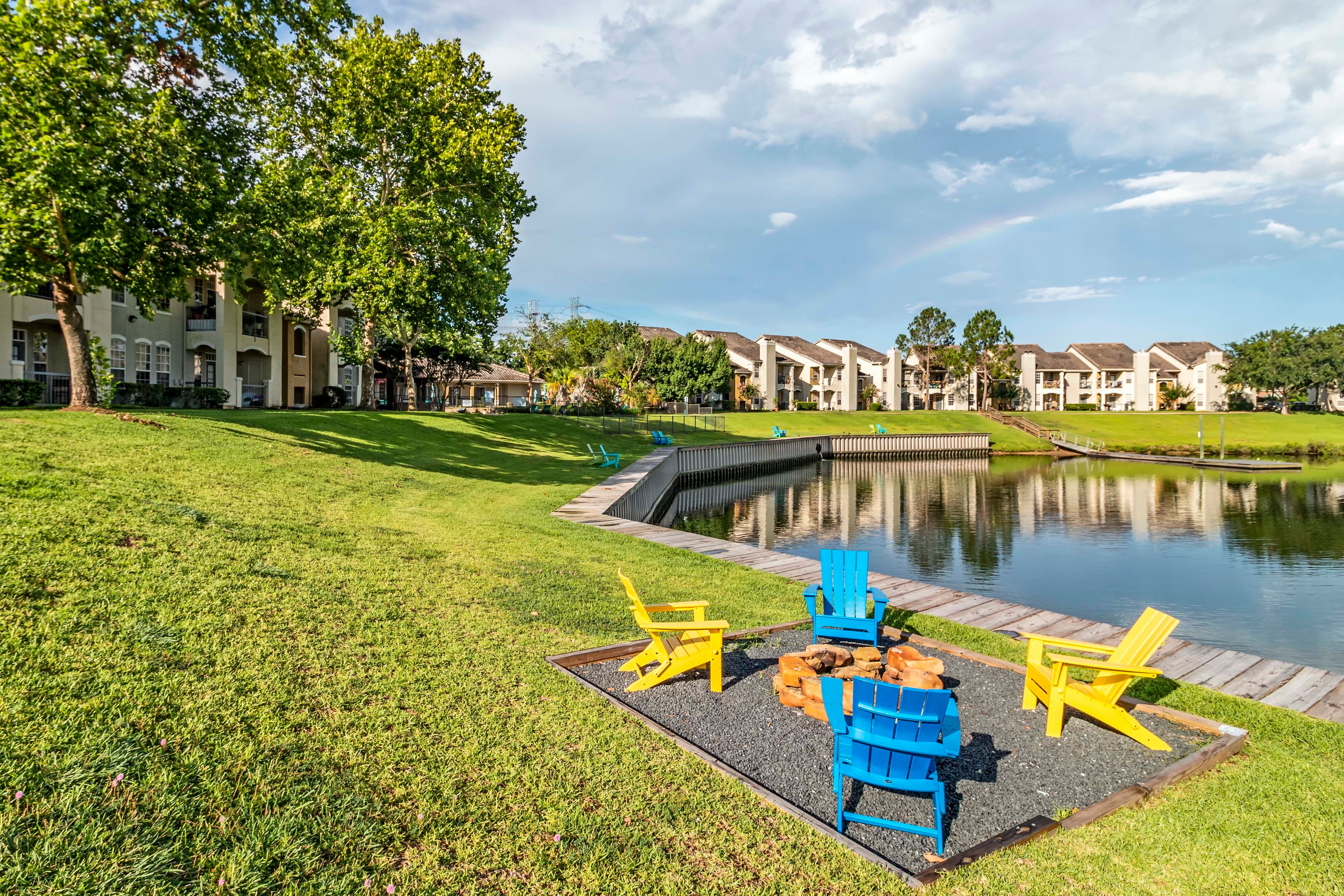 Outdoor Area At Signature Point Apartments In League City TX