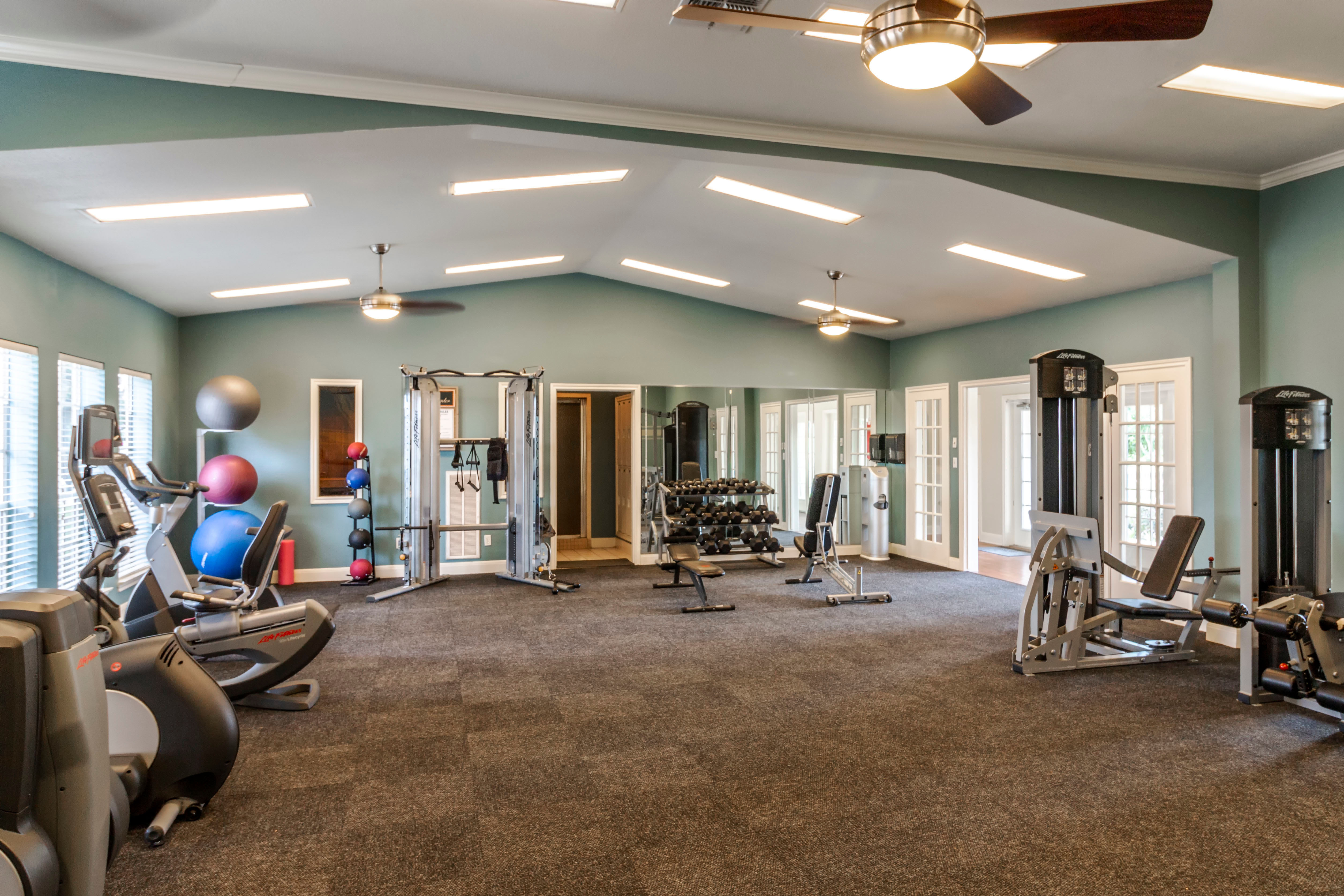 Fitness Center At Signature Point Apartments In League City TX