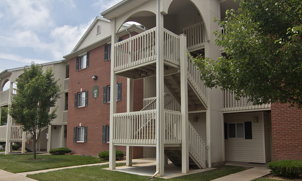 Exterior view at Steeplechase Apartments & Townhomes in Toledo, OH