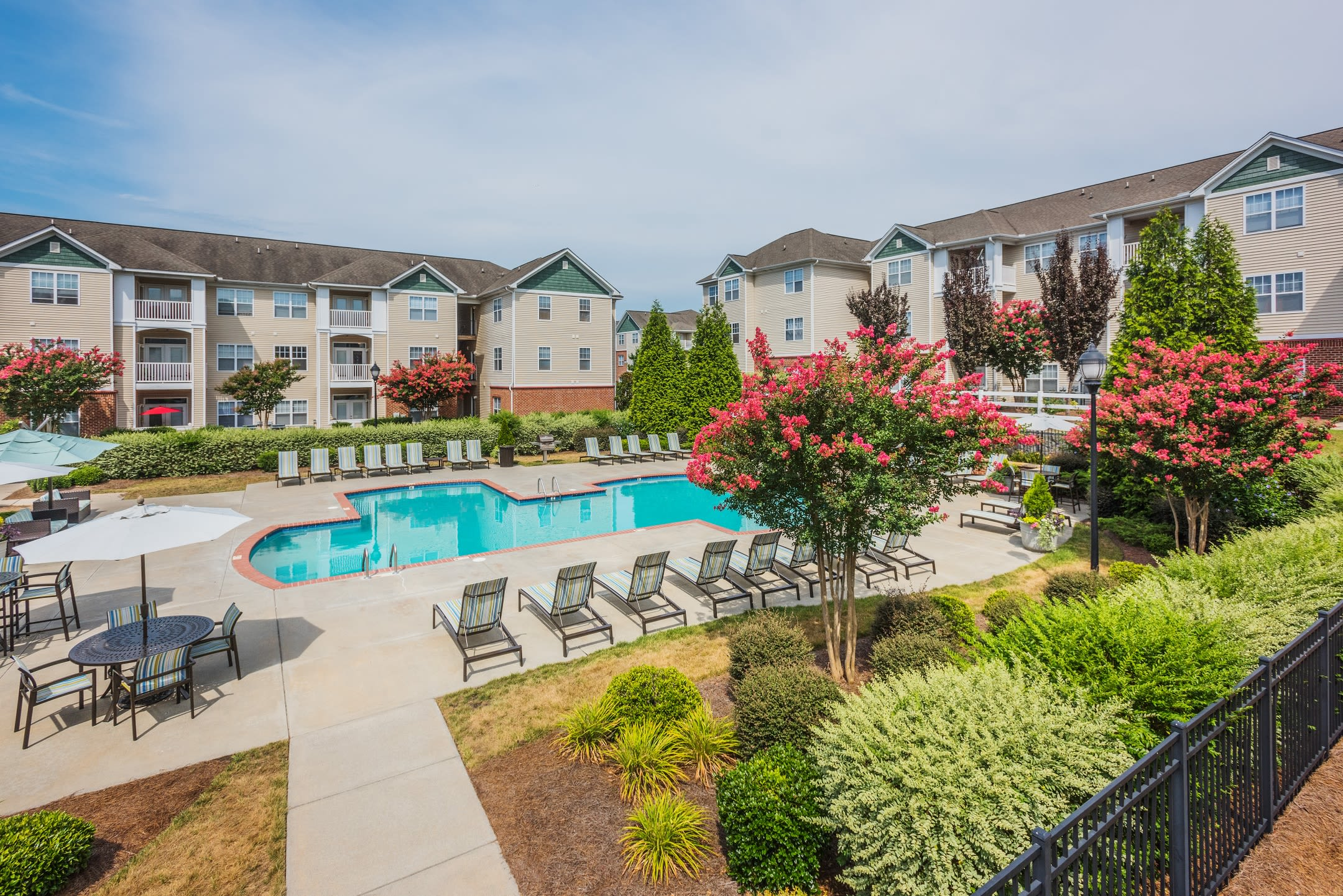 The Avant at Steele Creek offers a naturally well-lit living room in Charlotte, North Carolina