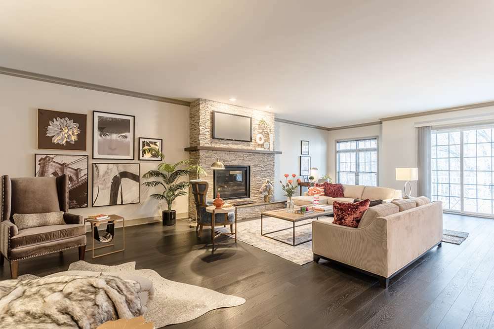 Waters Edge Apartments offers a modern living room in Webster, New York