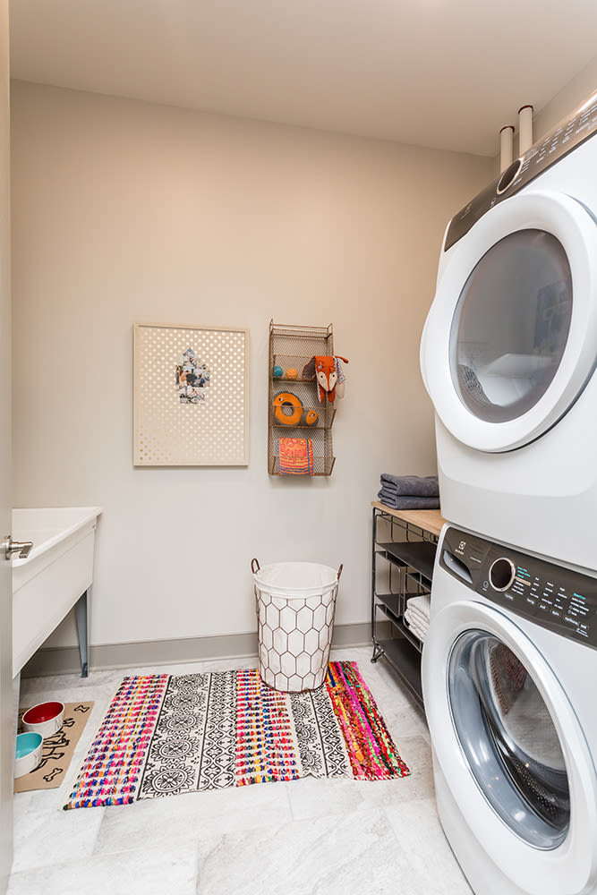 Waters Edge Apartments in Webster, New York offers apartments with a washer and dryer