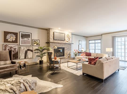 Visit Waters Edge Apartments website