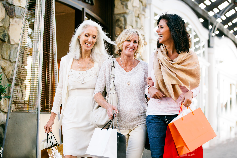 Friends shopping near Avilla Premier in Plano, Texas