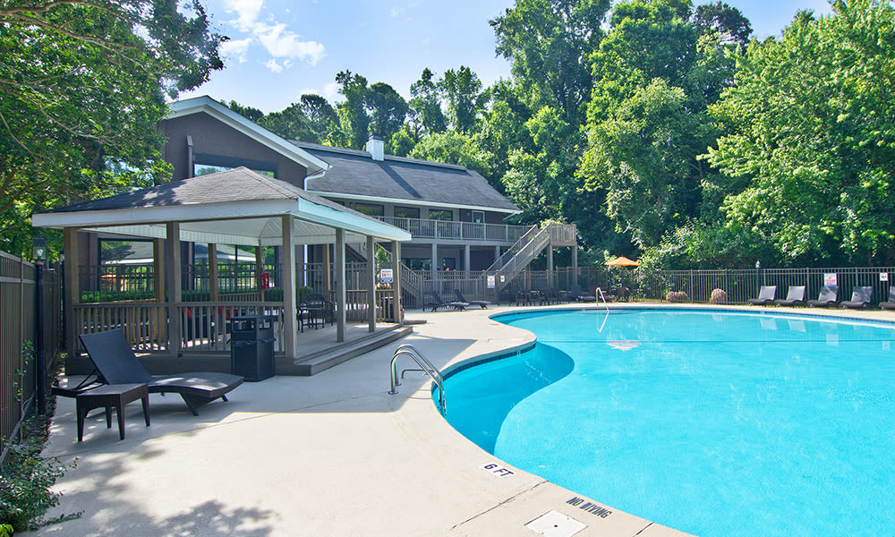 The Trails of North Hills offers a beautiful swimming pool in Raleigh, North Carolina