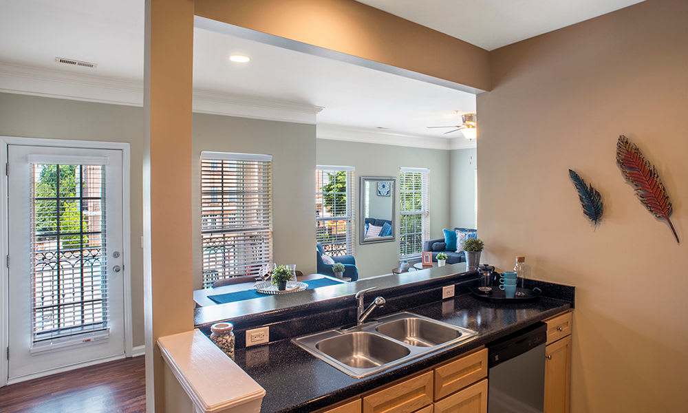 Worthington Luxury Apartments offers a beautiful kitchen in Charlotte, North Carolina