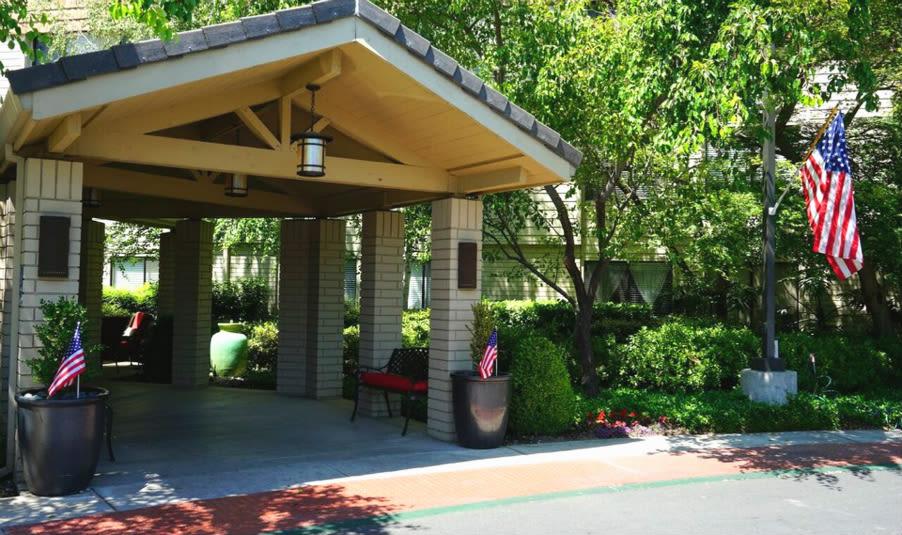 Sacramento Senior Living community has a clean Exterior Building