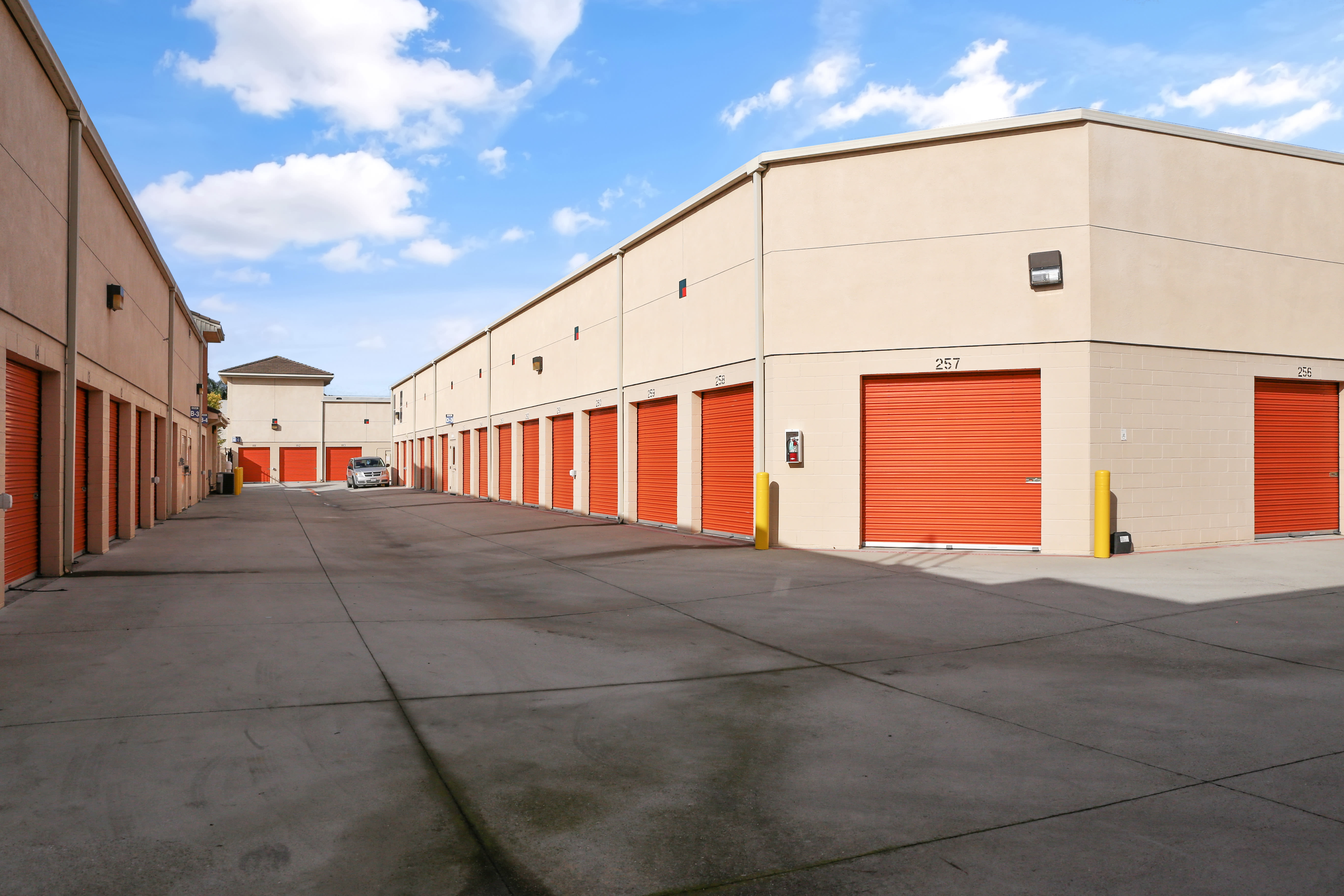 Wide driveways and easy-access outdoor storage in Cypress, California