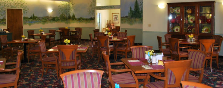 Common dining room at the senior living community in Grass Valley