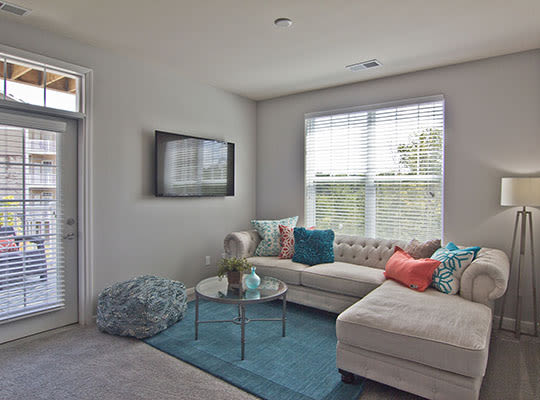 Visit Overlook Apartments Website