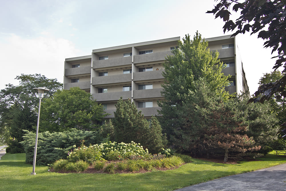 Beautiful exterior view at Park Towers Apartments in Richton Park, IL