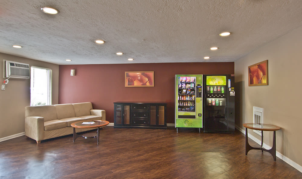 Resident lounge at Park Place of South Park in South Park, PA