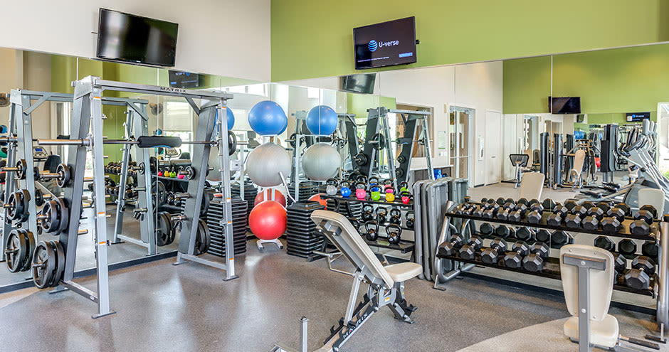 GreenVue Apartments offers a state-of-the-art fitness center in Richardson, Texas