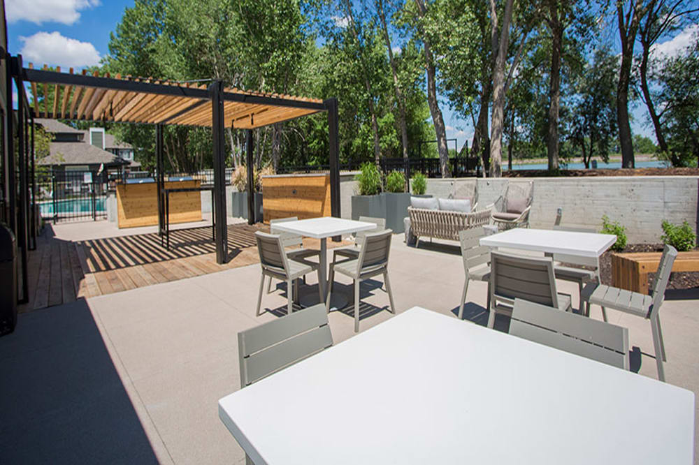 A bbq area that is great for entertaining in Denver, Colorado