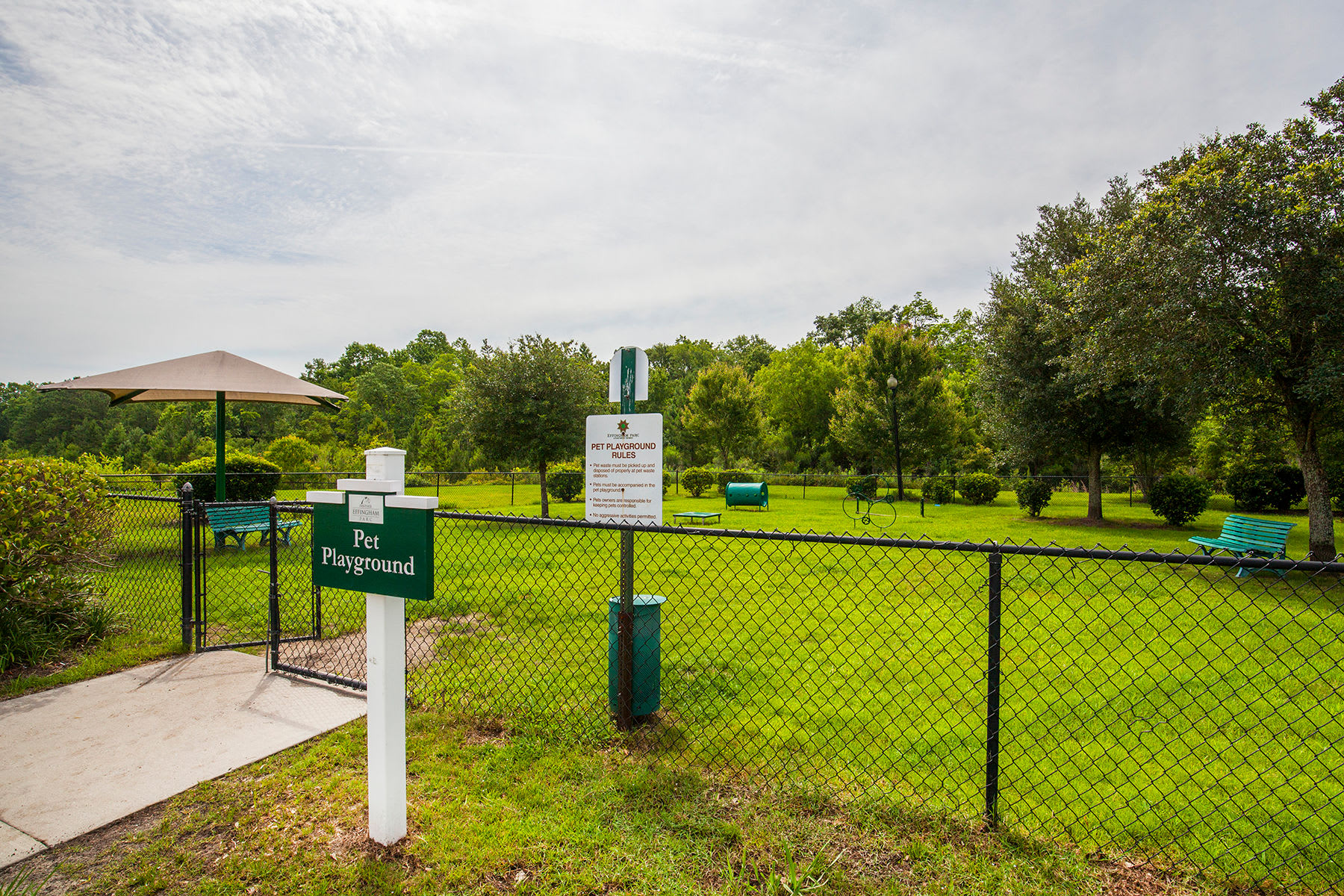 Dog Park at Panther Effingham Parc Apartments
