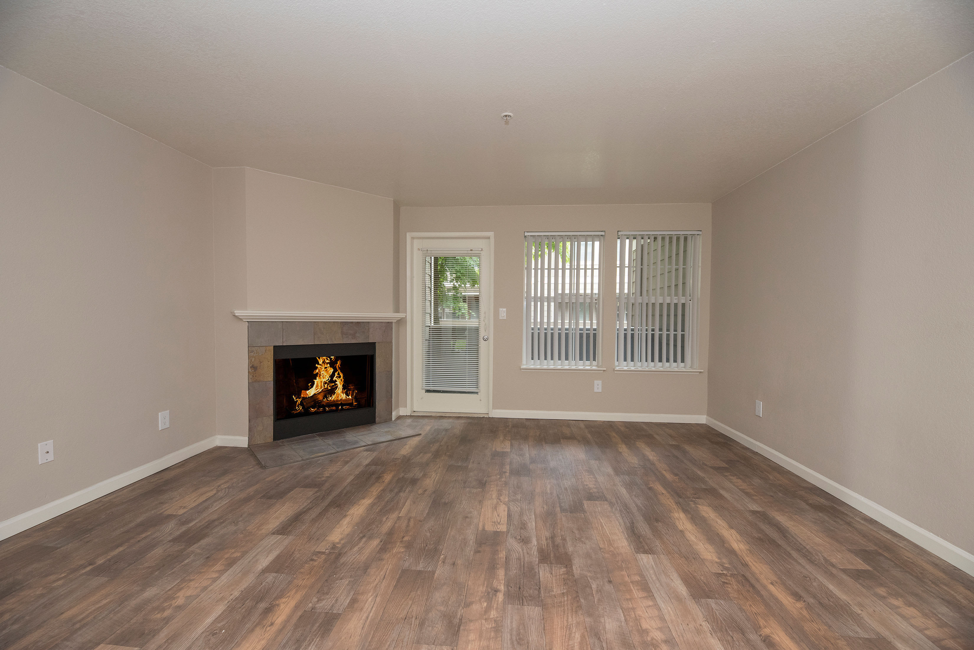 Living room layout at Slate Ridge at Fisher's Landing Apartment Homes in Vancouver, Washington