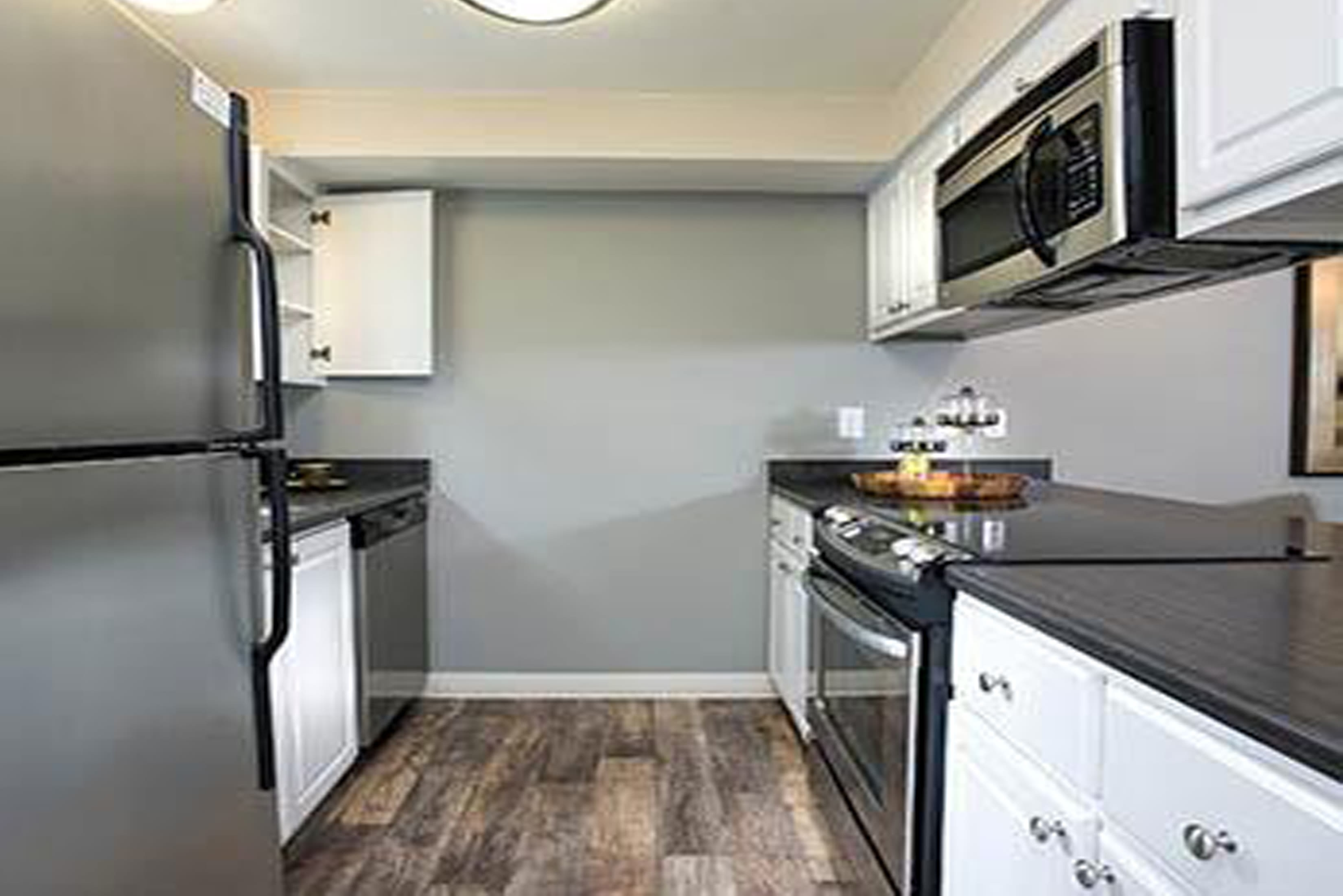 Luxury features at Slate Ridge at Fisher's Landing Apartment Homes in Vancouver