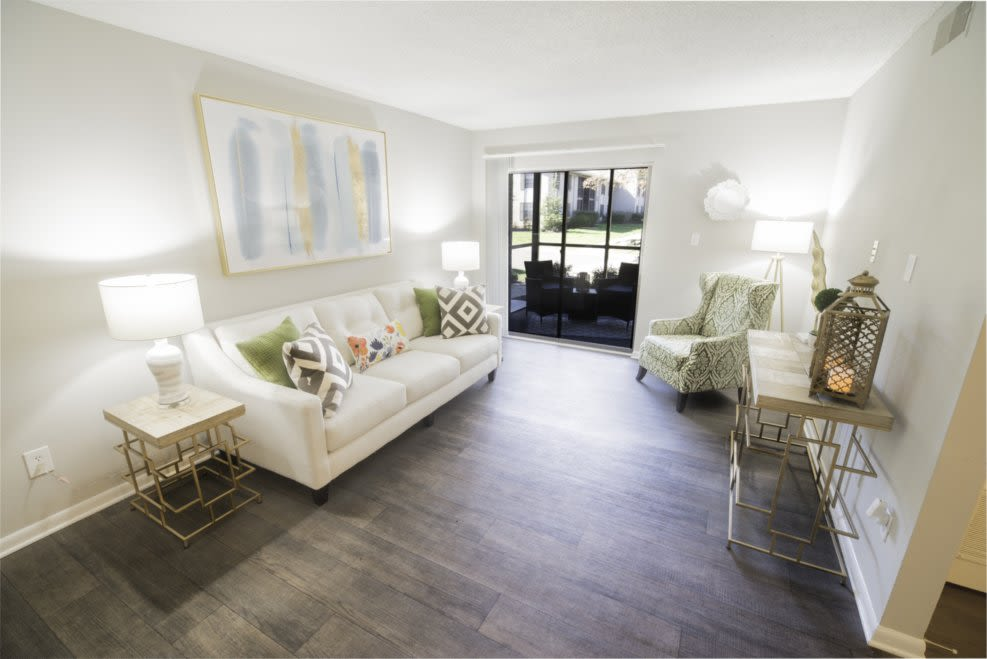 Renoovated Apartment Homes at Berkshire 54