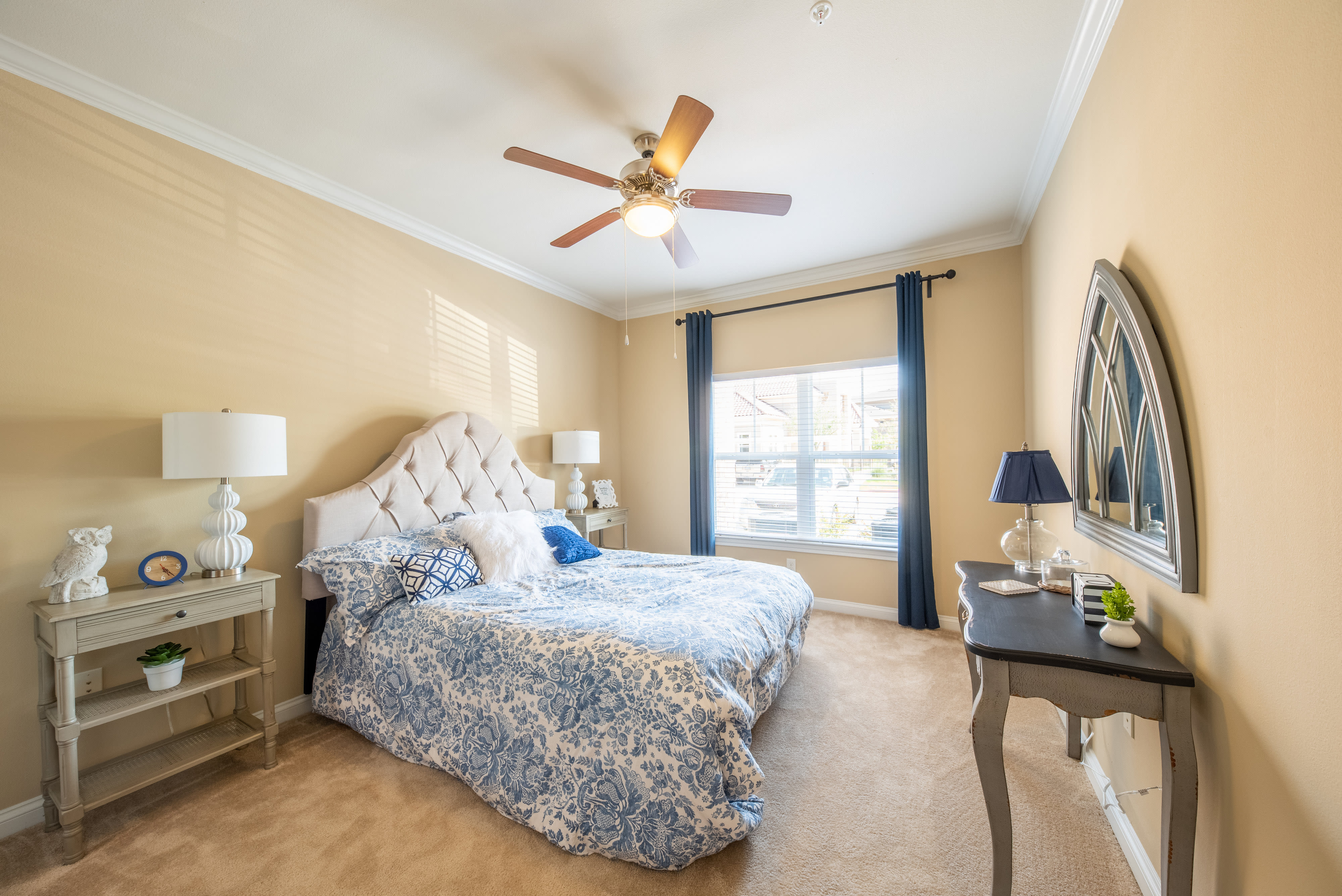 Living area with a ceiling fan at Hilltops in Conroe, Texas