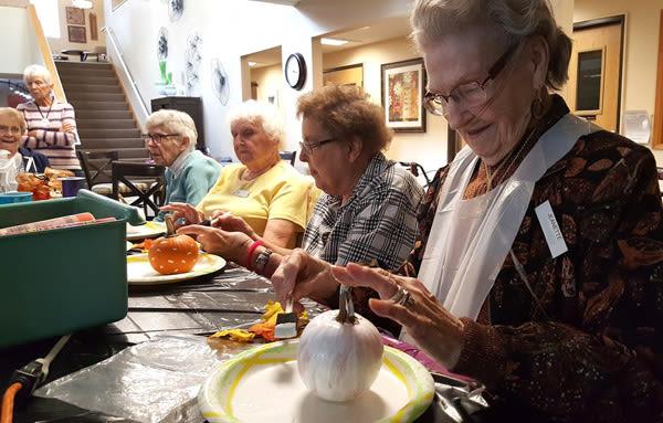 seniors' crafts at Solvang