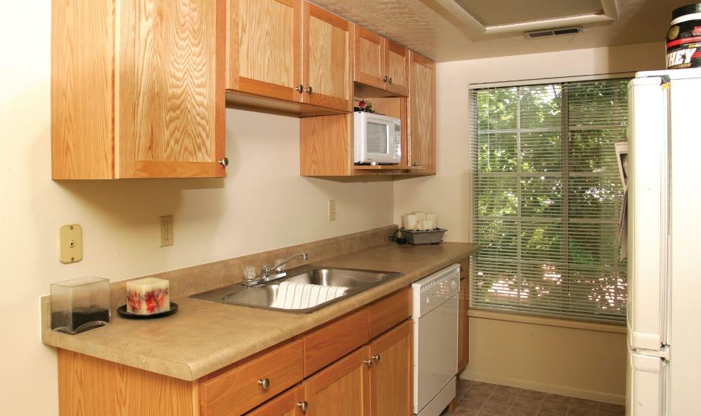 Alternative model kitchen at Windgate Apartments