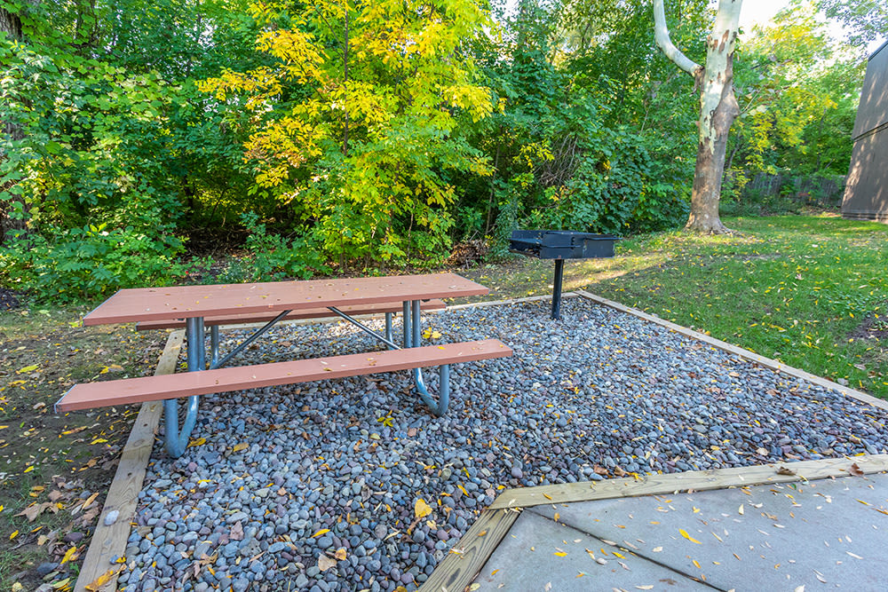 Our community in Brockport, NY has grills and a picnic area