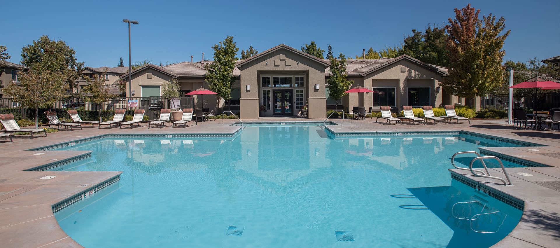 Expansive Pool Deck and Spa at The Artisan Apartment Homes in Sacramento, California