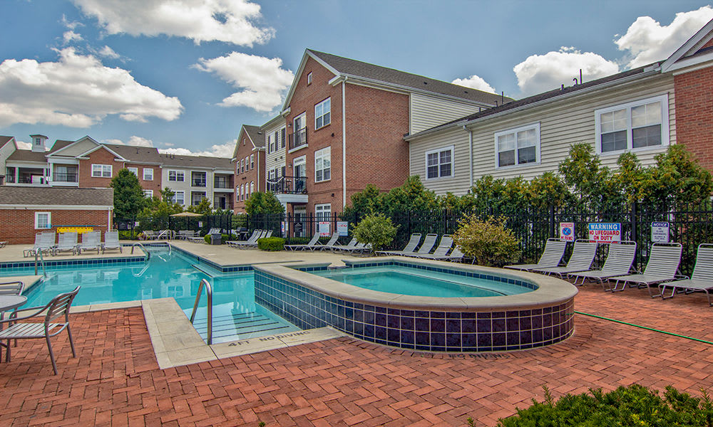Beautiful swimming pool at apartments in Toledo, Ohio
