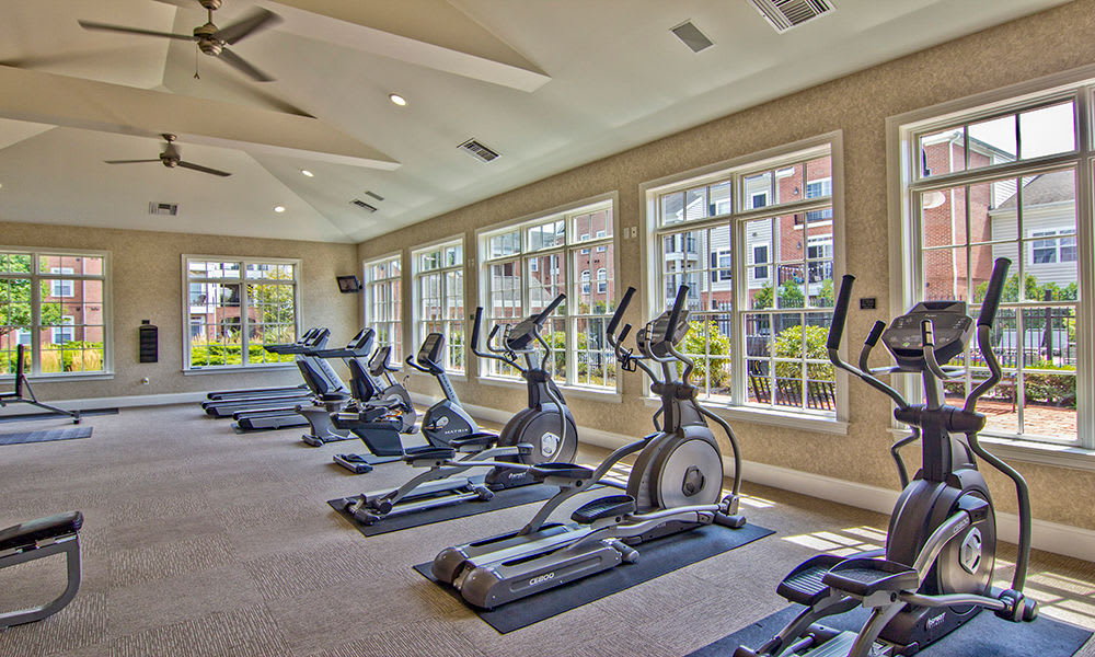 Well equipped fitness center at Chelsea Place in Toledo