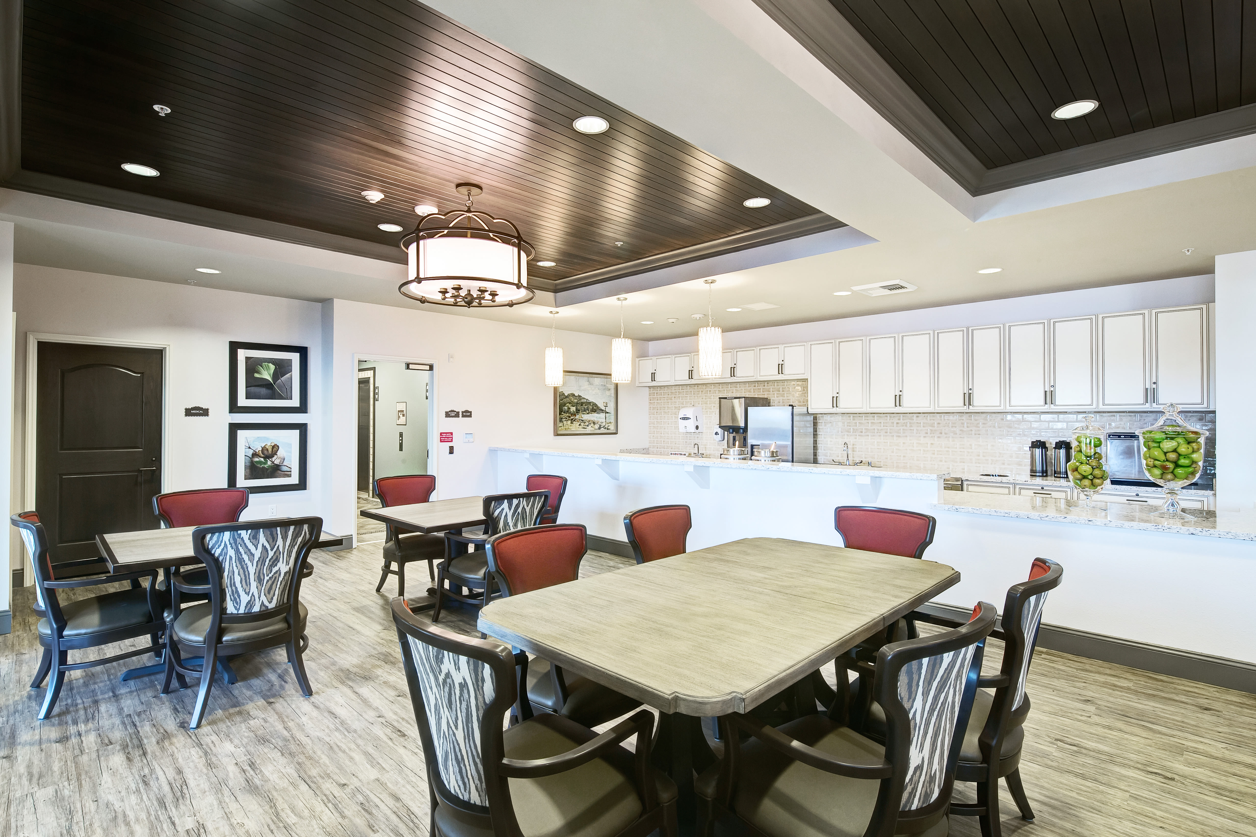 Clearwater at South Bay offers a dining area in Torrance, California
