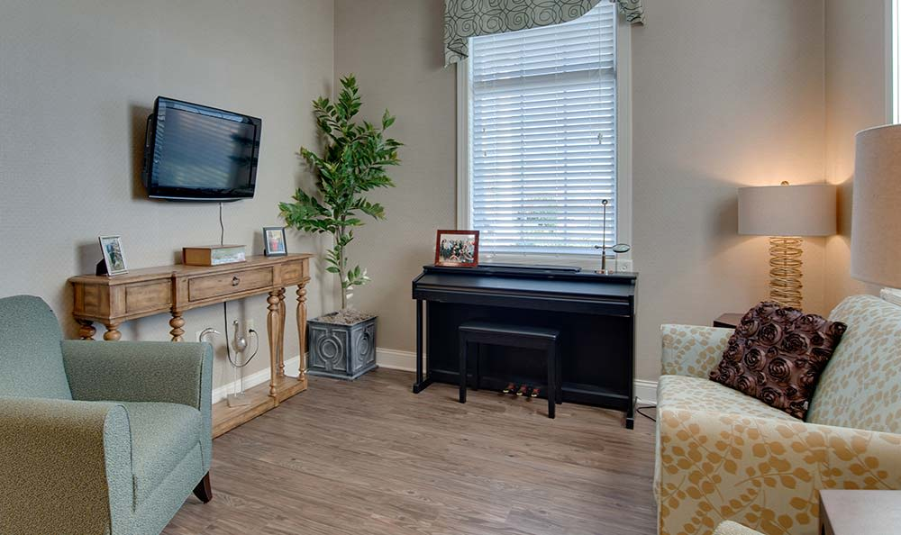 Cozy living room for assisted living residents at Willow Springs Senior Living in Spring Hill, Tennessee