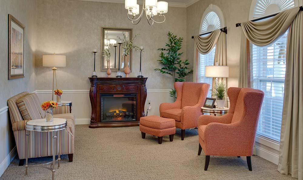 Quiet reading room at Westport Estates Senior Living in Marshall, Missouri