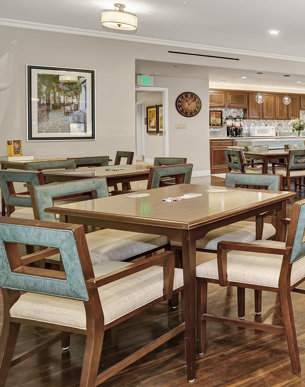 Dining table at The Palisades at Broadmoor Park in Colorado Springs, Colorado