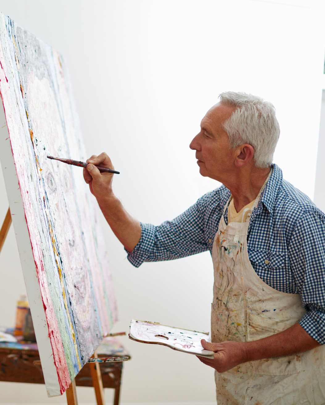 Seniors painting at Estancia Del Sol in Corona, California