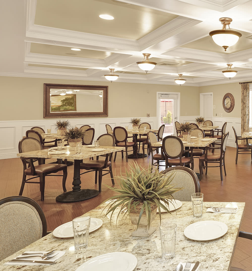 Dining room at Highland Glen in Highland, Utah