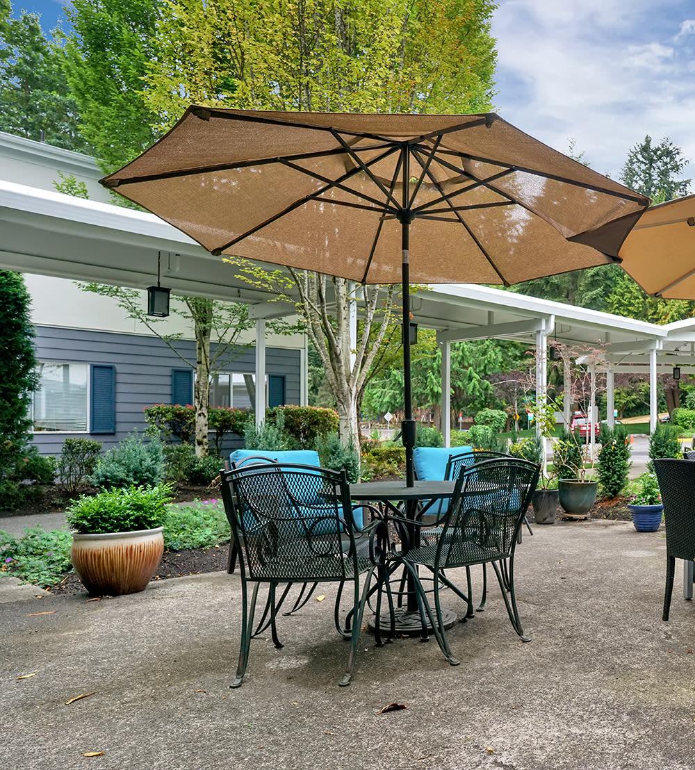 Outdoor Seating Area at Mountlake Terrace Plaza in Mountlake Terrace, Washington
