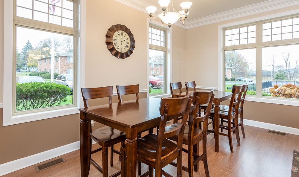 Clubhouse seating at Knollwood Manor Apartments in Fairport, NY