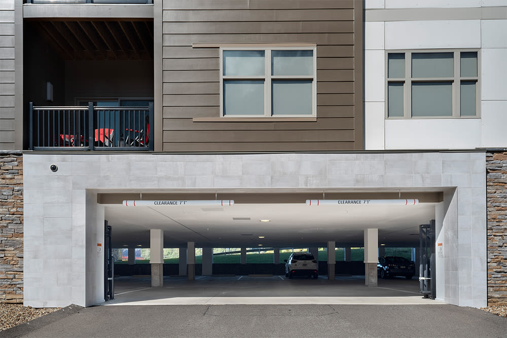 Cosmopolitan offers a garage in Pittsburgh, Pennsylvania