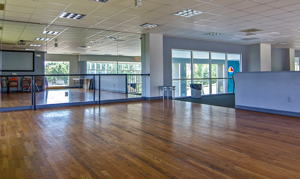 Fitness room at Lakeshore Drive