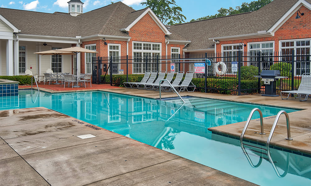 Swimming pool at Chelsea Place in Toledo, Ohio
