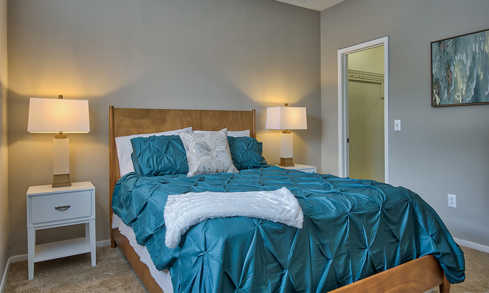 Bedroom at Perry's Crossing Apartments in Perrysburg, Ohio