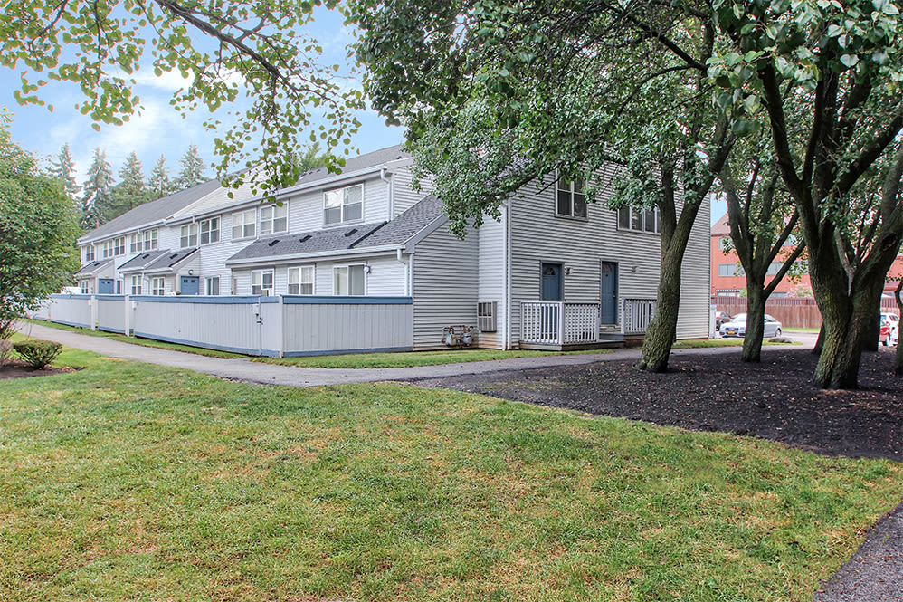 Brighton Colony Townhomes offers green spaces in Rochester, New York